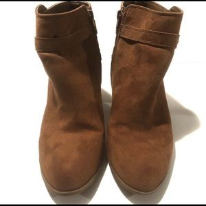 Express cognac ankle heeled boots size 10